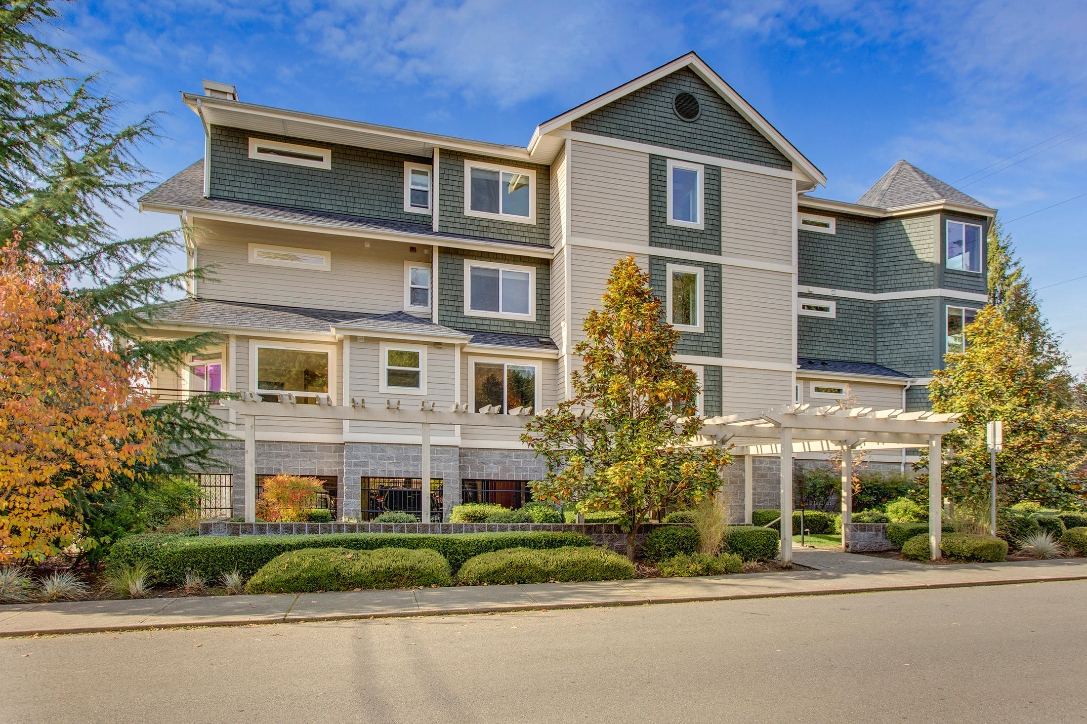 485 E Sunset Wy #1C, Issaquah $520,000